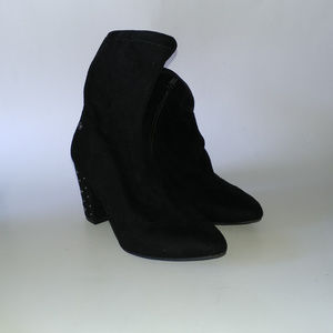 Simply Vera Vera Wang Dallas Ankle Boots Size 6
